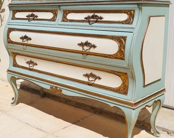 Vintage French Painted Commode / Chest of Drawers