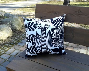 Modern black and white pillow cover from Marimekko fabric Lintukoto, throw pillow cushion cover, Scandinavian design, graphic accent pillow