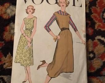 1957 Vogue Skirt Pattern