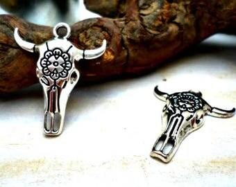 Lot of 2 pendants Indian tribal ethnic Bohemian style skull beef flower 32mm x 26mm