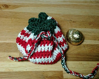 Purse in Christmas colors / striped red and white with a little touch of green / ideal for putting small chocolates or other gifts