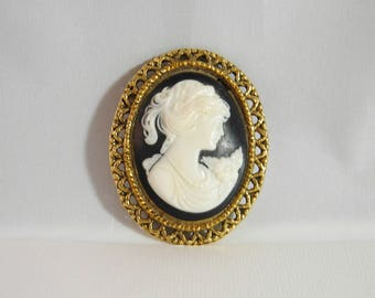Cameo Black And White Mourning Brooch/PIn