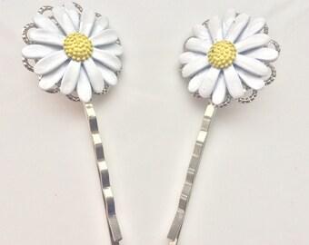 Chamomile Hair Pins Flower Hair Pins Summertime Pins Cute Girl Pins Playful Hair Accessories White Yellow Pins For Hair Young Lady Clips