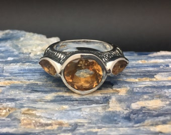 Citrine Silver Ring // 925 Sterling Silver // Etched Oxidized Setting // Size 8