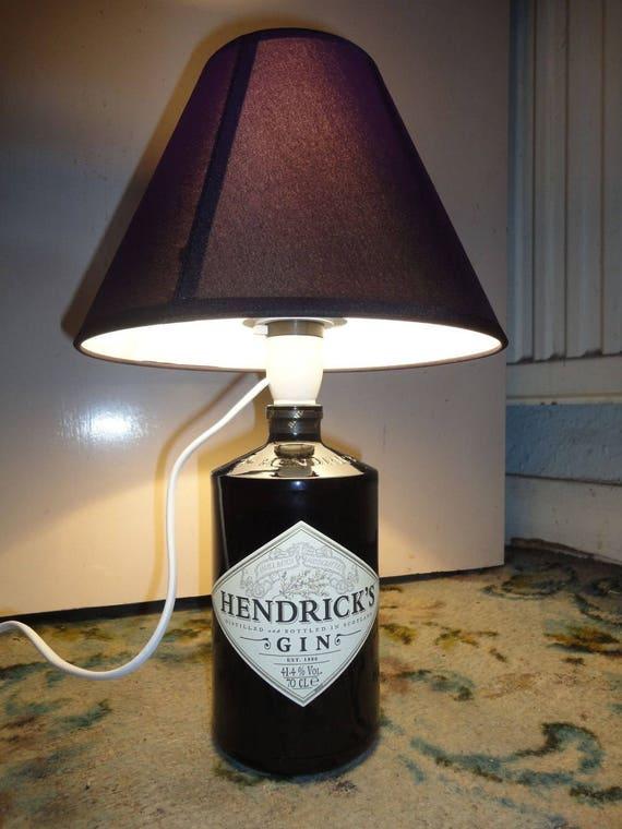 hnliche artikel wie hendricks gin flasche lampe auf etsy. Black Bedroom Furniture Sets. Home Design Ideas