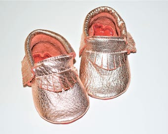 Rose Gold Moccasins, Leather Rose Gold Baby Moccasins with Red Sole, Metallic Rose Gold Baby shoes, Red Bottoms Baby shoes,Baby Gifts