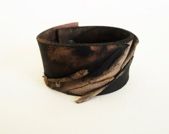 black leather braclet rustic leather bracelet made of vegetable tanned leather Hand dyed an modeled leather bracelet