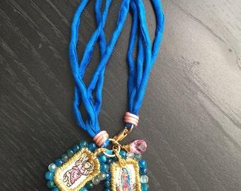 Scapular in Bracelet of silk