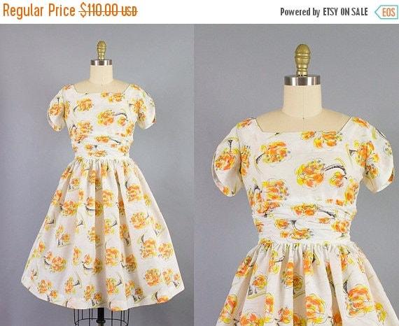 SALE 15% STOREWIDE 1950s floral cotton dress/ 50s orange flower novelty sundress/ extra small
