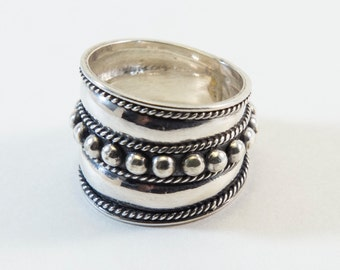 Granulated Dotted Band Ring