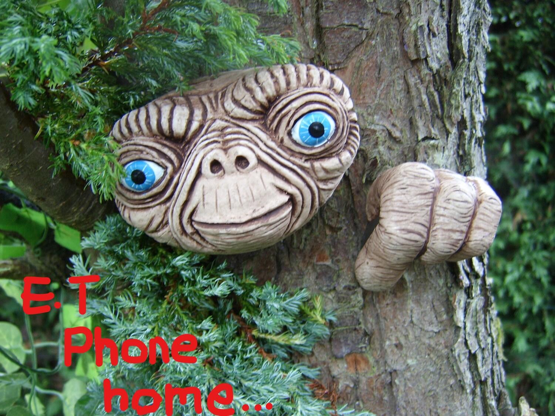 E T Tree Face Handmade Sculpture Statue Garden Ornament