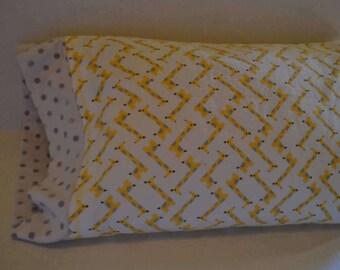 Giraffe Toddler Pillowcase