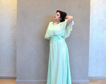 Vintage 1970s Sylvia Ann Sea Green Full Length Gown Maxi Chiffon Bridesmaid Wedding Guest Summer XLarge XXL XXLarge Plus Size 20 22 1x 2x
