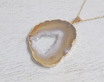 Mothers Day Gift, Beige Geode Necklace, Geode Necklace, Geode Slice Necklace, Long Druzy Pendant, Gold Necklace, Boho Layer Necklace, 8-211