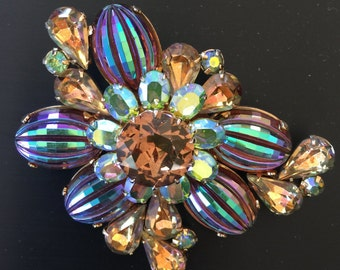 Signed Vendome Brooch pin
