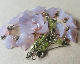 Vintage 1930s Art Deco Pale Dusty Pink Mauve Lilac  Green Czech Glass  Flower Beads