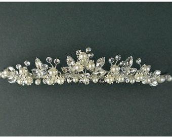 Pearl Bridal Tiara, Wedding Tiara, Bridal Hair Jewelry, Pearl & Crystal Tiara, Silver Tiara, Vintage style, Romantic Style Tiara