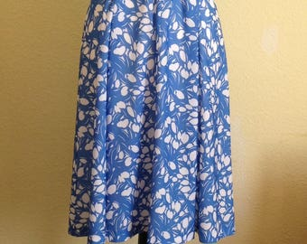 Blue and White Floral Belted Day Dress. Mod does 1940s Style