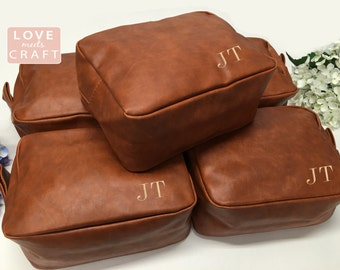 2 Personalized Men's Shaving Kit Men's Toiletry Bag Groomsman Gift Men's Dopp Kit Monogrammed Shaving Kit Travel Bag Wedding Gift Best Man