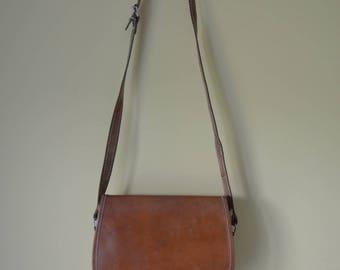 Vintage Tan leather Saddle Satchel shoulder bag with silver buckle