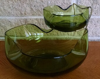 Anchor Hocking Chip and Dip Bowl Set - Accent Modern Avocado Green - 2 Bowls and Metal Holder - Mid Century  Modern Serving  Bowls - Vintage