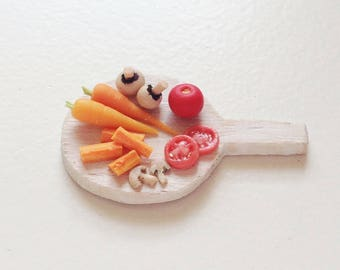 Miniature Vegetables on Chopping Board | Dollhouse Miniature Food