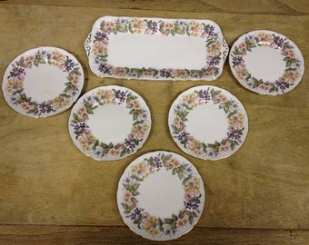 Vintage Paragon Country lane Sandwich Tray and 5 Sandwich Plates. Pretty Floral Pattern - In Great Condition