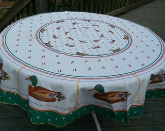 64 round tablecloth, tablecloth, vintage tablecloth, made in Italy, 100% cottom, cotton tablecloth, nos tablecloth