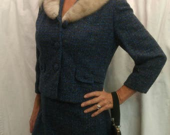 Absolutely gorgeous Vintage 1950'/60's blue tweed suit with silver mink collar, size Small/Medium