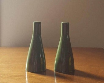 Atomic design salt and pepper shakers olive green ironstone made in England