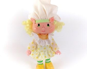 Vintage Strawberry Shortcake Lemon Meringue Doll 100% Complete Clothes Outfit 80s Original Retro Hat Shoes Stockings Dress Yellow Gorgeous