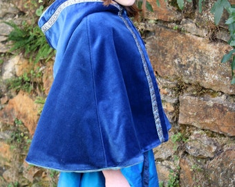 Cape for medieval Princess, size 8 / 10 years