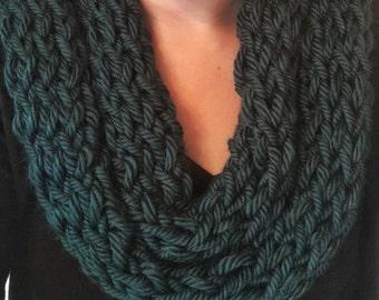 Light scarf, Green scarf, infinity scarf, knit scarf, finger knit scarf, womens scarf, winter scarf, knit infinity scarf, crochet scarf