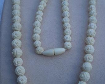 """13"""" Faux Ivory Rosebud Vintage Necklace"""