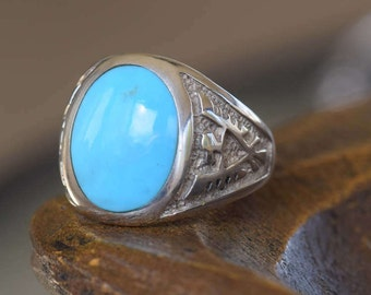 Vintage Native American Eagle Silver and Turquoise Ring, US Size 10.25, Used Vintage Jewelry