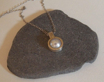 grey pearl of culture pendant and silver pendant and silver chains