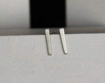 Stick earrings / stick earrings