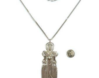 Vintage Sarah Coventry Fleur-de-lis Tassel Necklace, Jewelry 1970s, Convertible, Floral Flower Silvertone Pendant, Boho Bohemian