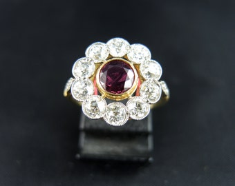 Bague marguerite rubis et diamants - Fin du XIXe Siècle /// Cluster ring with a ruby and diamonds - Late 19th