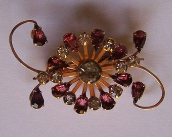 Vintage Gold Tone Metal Brooch/Pendant with colored Rhinestones