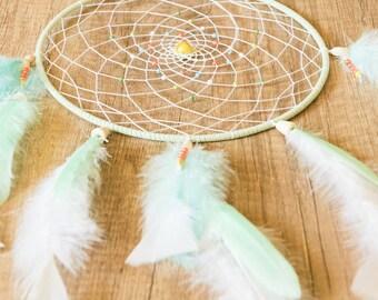 """Dreamcatcher Zen Handmade """"Spring Ethnic"""" Light Green and White 7.87 po"""