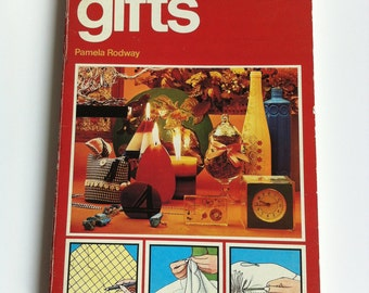 Pan Craft Book - gifts. Guide book for candle making , Tie-dye, macrame, soft toy patterns.