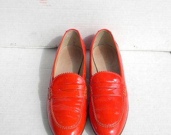 Jcrew shoes. Vintage shoes. Women shoe, Sz 8 Orange patent leather flat made in italy women loafers.