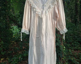 Vintage Barbizon Nightgown