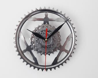 Bike gear clock, bicycle gear clock, gift for boys, gift for him, cassette clock, wall clock, bike clock, gift for dad