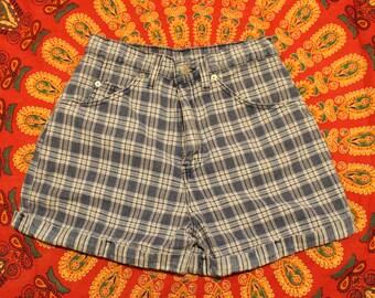 Vintage Plaid Levi Shorts (80s)