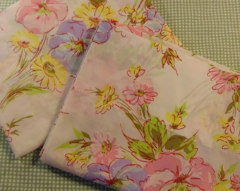 Spring Floral Pequot set of standard pillowcases / Pink and Lavender Floral / Like new