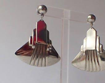 """Art Deco-style 1960s Mid Century Skyscraper Fan Drop Pierced Earrings, 2.5"""" Long"""