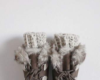 Chunky Boot Cuffs Ribbed Crochet Leg Warmers | THE BAILES in Oatmeal