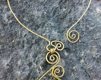 Adjustable collar of bronze with natural stone